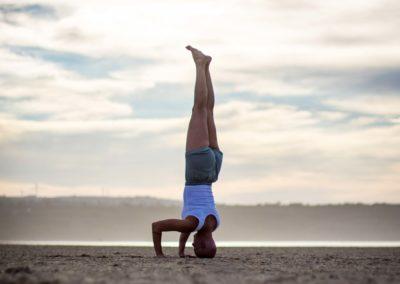 Yoga Sirsasana II em Jeffreys Bay