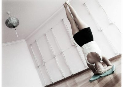 Yoga Sirsasana, head stand