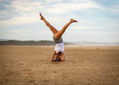 Yoga Sirsasana Ekapada in Jeffreys bay