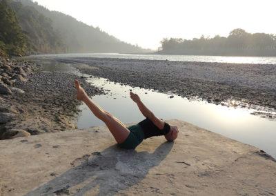 Yoga Uttana Padasana em Rishikesh